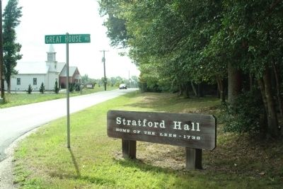 Sign at Entrance to Stratford Hall image. Click for full size.