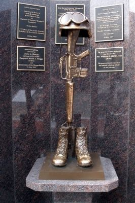 Fallen Soldier Statue Photo, Click for full size