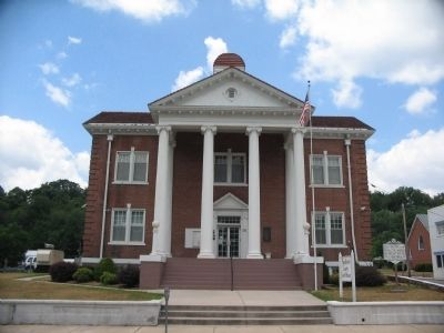 Pendleton County Courthouse image. Click for full size.