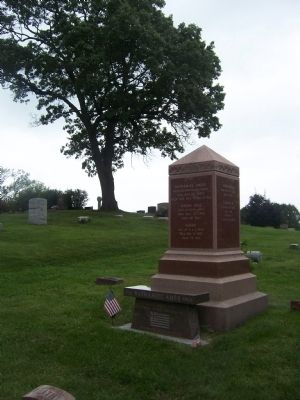 Revolutionary War Veteran Grave Monument Photo, Click for full size