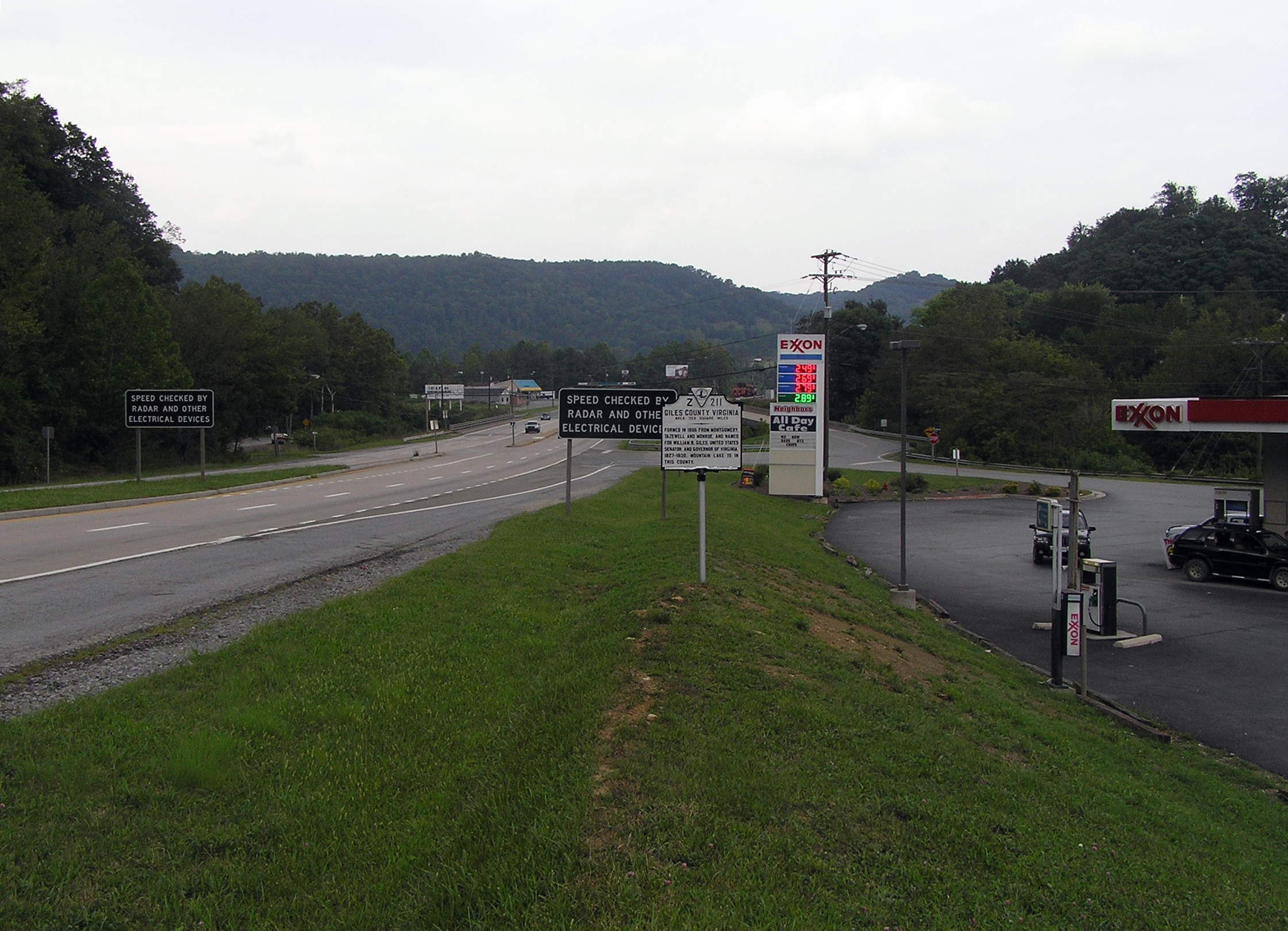 Wide view of the West Virginia / Giles County Virginia Marker