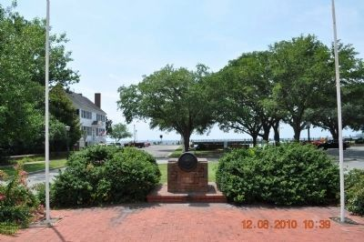 Colonial Waterfront Park on Edenton's Bay image. Click for full size.