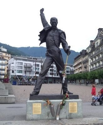 Freddie Mercury Statue and Markers image. Click for full size.