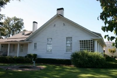Side View of the Chabannes - Sealy House Photo, Click for full size