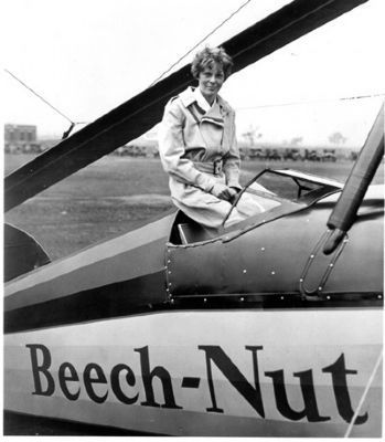 Amelia Earhart with the Beech-Nut<br>Pitcairn PCA-2 Autogiro Photo, Click for full size