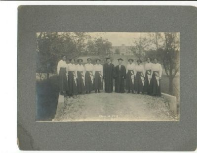 Ingleside Seminary Class of 1913 image. Click for full size.