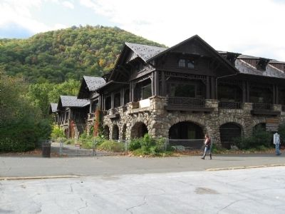 The Bear Mountain Inn image. Click for full size.