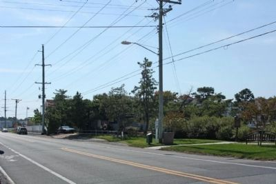 Bethany Beach Loop Canal Marker, at right, looking south along Pennsylvania Avenue image. Click for full size.