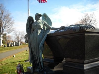 Pres. Arthur Grave image. Click for full size.