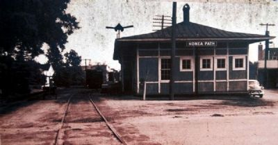 Honea Path Marker - Front<br>Honea Path Train Depot Photo, Click for full size