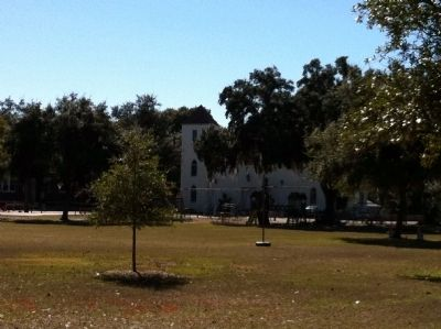 San Antonio Park with view of St. Anthony of Padua Church image. Click for full size.