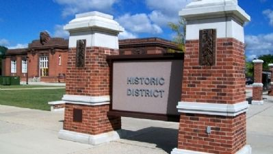 Historic District Marker image. Click for full size.