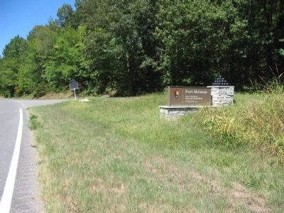 Fort Heiman Marker and Park Service Sign Photo, Click for full size