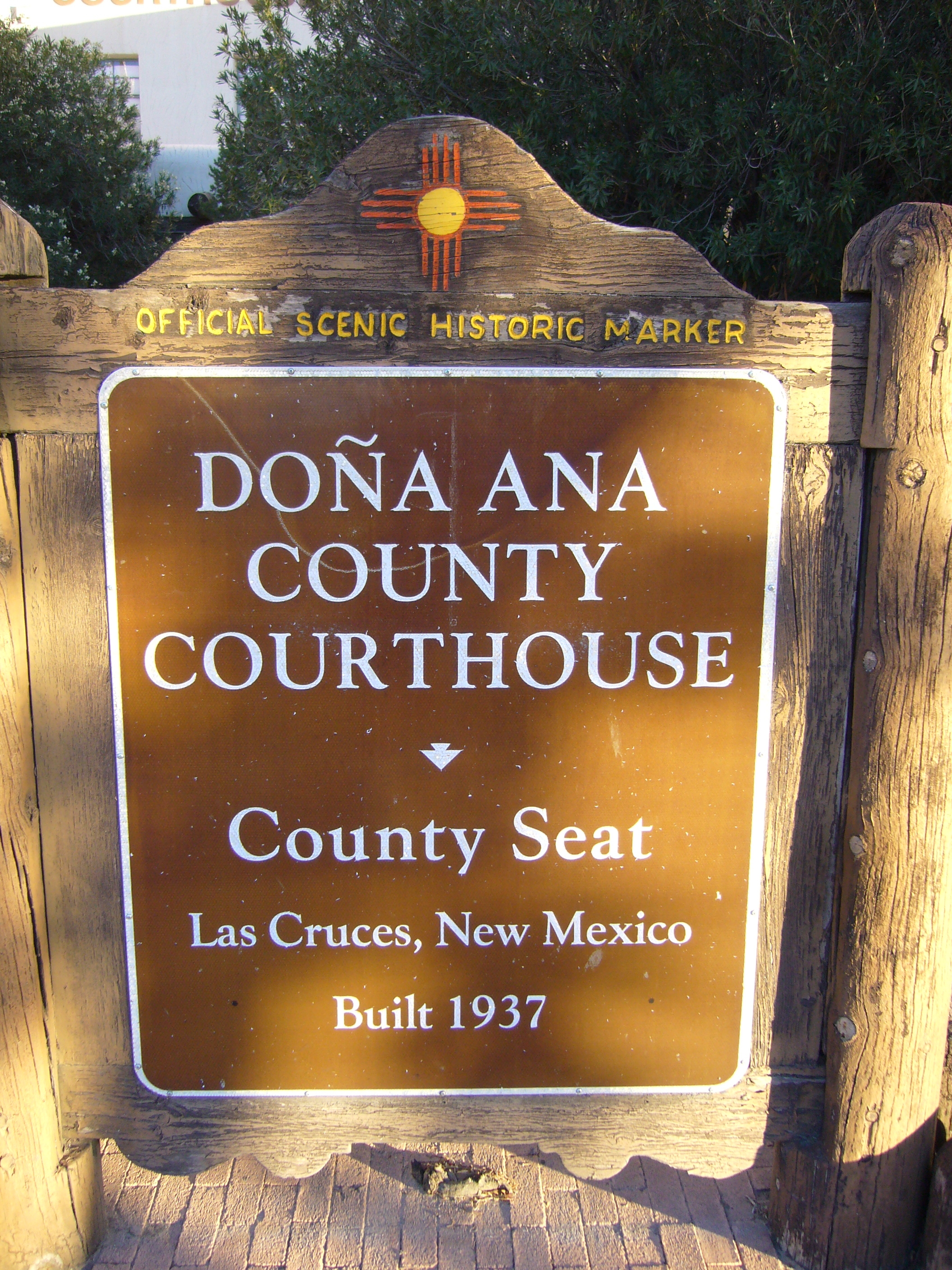 Do�a Ana County Courthouse Marker