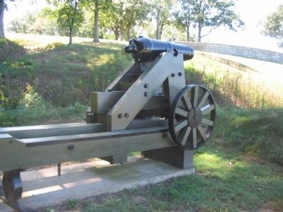 Reproduction 32-pdr Carronade image. Click for full size.