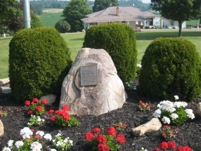 Tribute Marker to the Smith Family that Developed and Operated the Ohio Cavern. image. Click for full size.