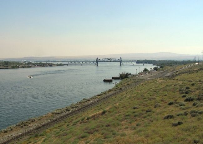 The confluence of the Snake and Columbia Rivers image. Click for full size.