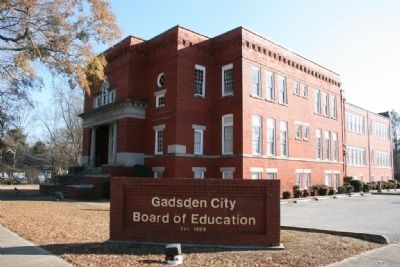 Eleventh Street School now serves as the offices of the Gadsden City Board of Education image. Click for full size.