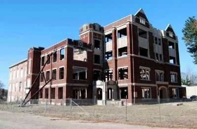 Old Hattiesburg High School -<br>East Corner<br>After Fire Damage Photo, Click for full size