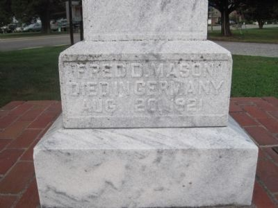 Fred D. Mason side of marker image. Click for full size.