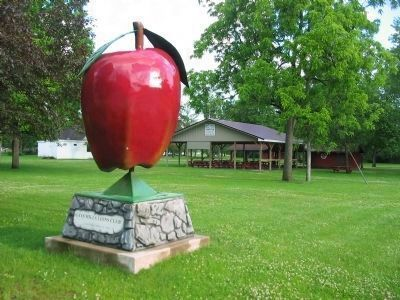 Nearby Apple Sculpture image. Click for full size.