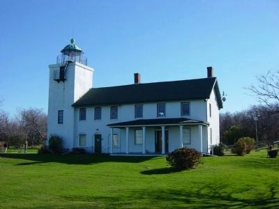 Horton Point Lighthouse image. Click for full size.