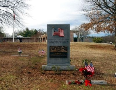 Woodlawn Memorial Park Veterans Memorial -<br>Atop Veterans Hill image. Click for full size.