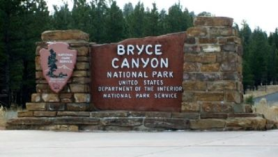 Bryce Canyon National Park Entrance Sign image. Click for full size.