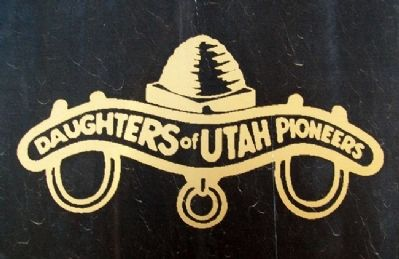 Daughters of Utah Pioneers Emblem on Marker image. Click for full size.