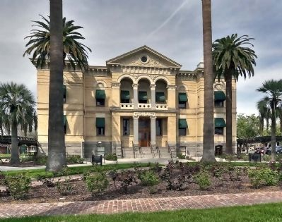 Court House, Hanford CA Photo, Click for full size