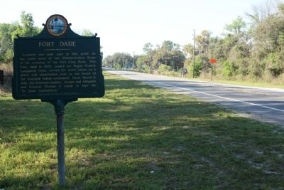 Fort Dade Marker, looking south image. Click for full size.