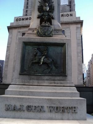 Front of Maj. Gen. Worth Monument image. Click for full size.