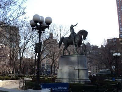 Monument in Union Square Park image. Click for full size.