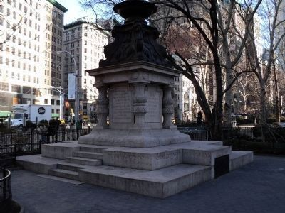 Marker in Madison Square Park image. Click for full size.
