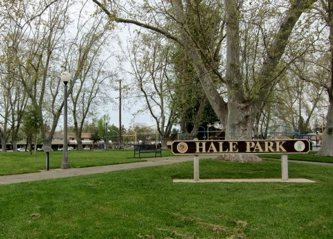 Hale Park Marker - wide view image. Click for full size.