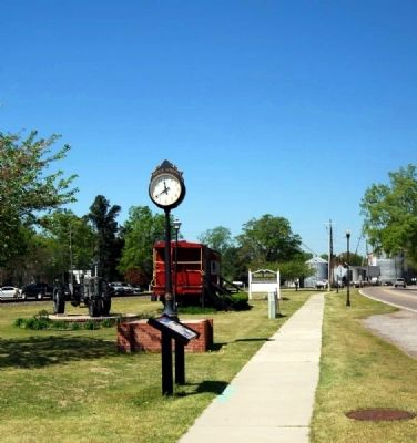 Ridge Spring Marker and Town Clock image. Click for full size.