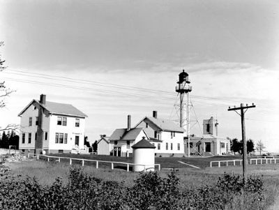 Whitefish Point Lighthouse image. Click for full size.