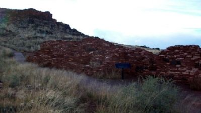 Nalakihu Pueblo Ruins and Marker Photo, Click for full size