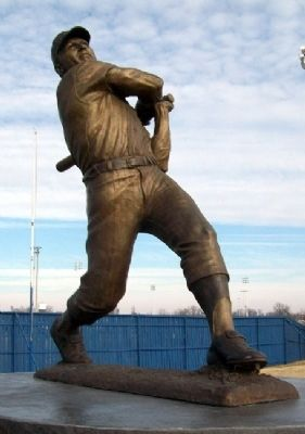 Mickey Charles Mantle Statue Photo, Click for full size