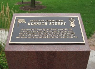 Specialist Fourth Class Kenneth Stumpf Marker image. Click for full size.