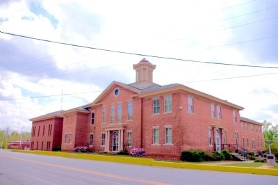 Wilkinson County Courthouse image. Click for full size.