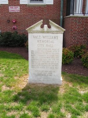 Vale-Williams Memorial City Hall Marker image. Click for full size.