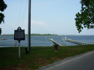 Site of Loftin's Ferry Marker image. Click for full size.