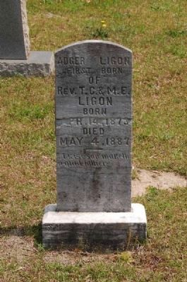 Adger Ligon Tombstone image. Click for full size.