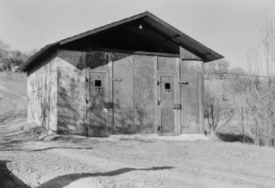Jail (east end of Sonora Road/Main Street) image. Click for full size.