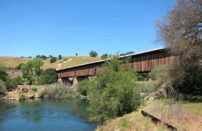 Knight's Ferry Covered Bridge, spanning the Stanislaus River image. Click for full size.