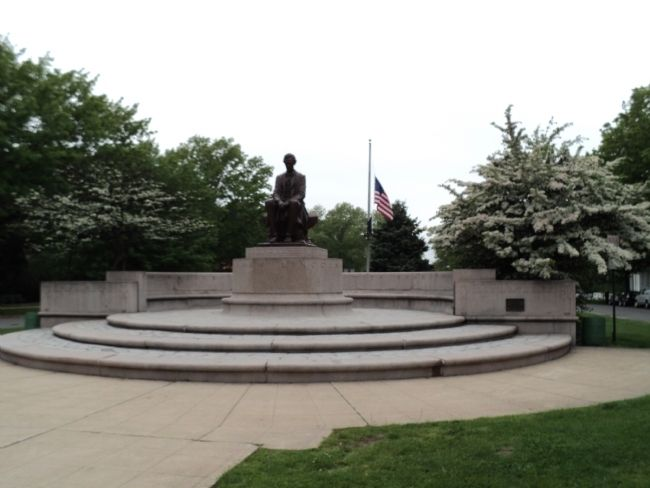 Memorial in Lincoln Park image. Click for full size.