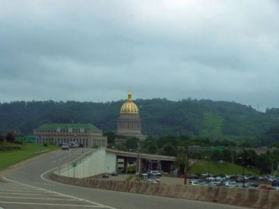 State Capitol as seen from I-64/ I-77, Greenbrier Street exit image. Click for full size.