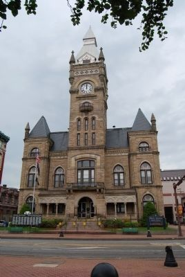 Butler County Court House image. Click for full size.