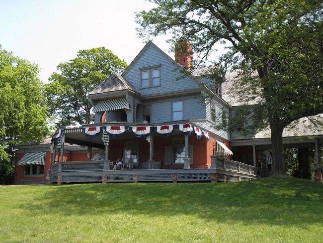 House at Roosevelt's Sagamore Hill image. Click for full size.